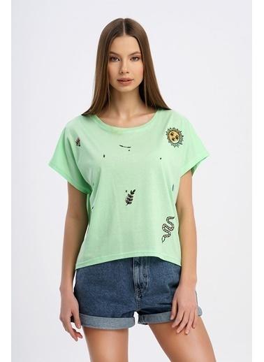 Nismia Spiritüel Nakışlı Tshirt Yeşil